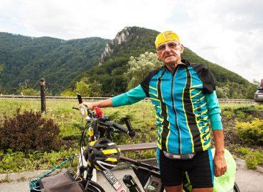 Život po šesťdesiatke? J. Pekarčík spod Tatier strávi tretinu roka na bicykli