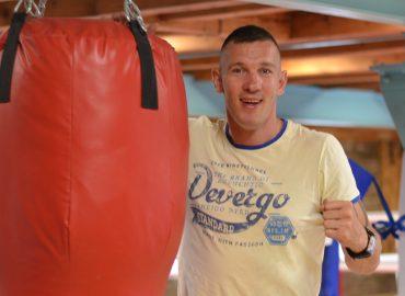 Bývalý boxer Tomi Kid pracuje s deťmi: Nechcel som len klub, chcel som rodinu